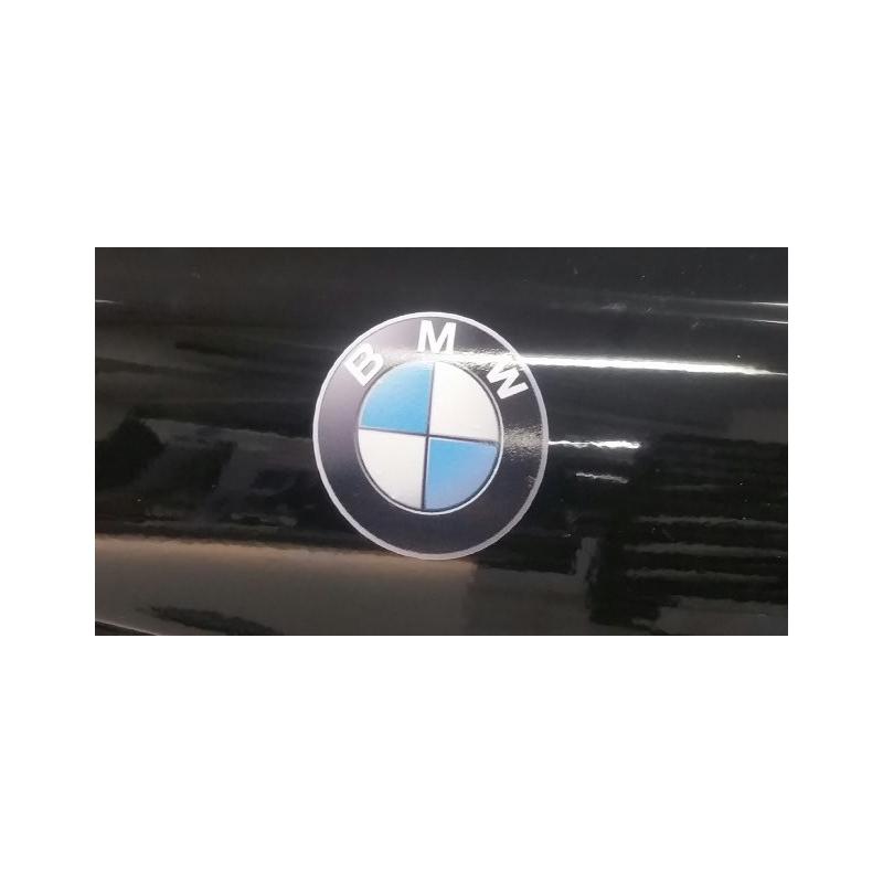 Dekalsats BMW